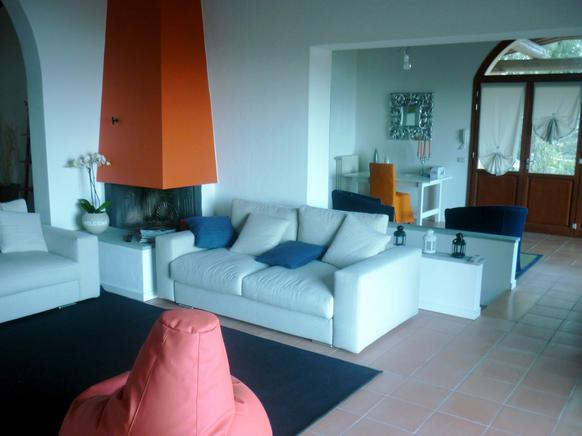 Elba luxus ferienhaus 18 personen mit pool und meerblick for Hochwertige einrichtung